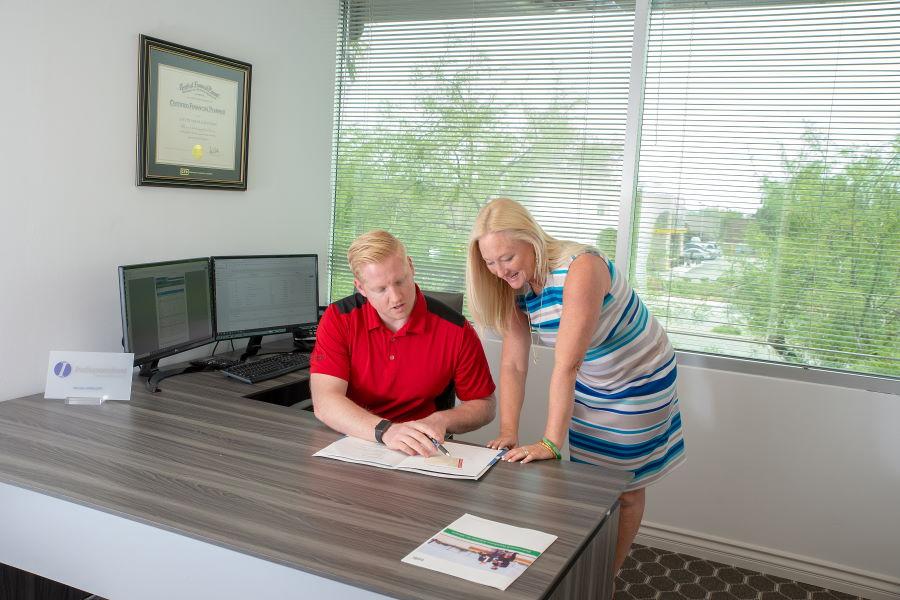 Investment Advisers in Phoenix, AZ